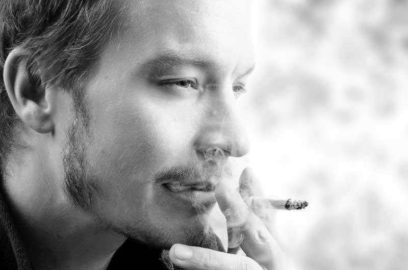 Ne dohányozz, gyengébb lesz a spermád – és még a születendő gyermekedé is!