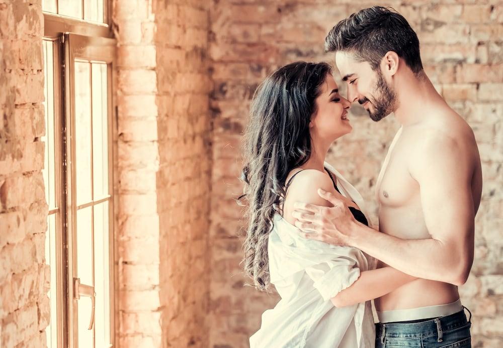 7 jel, hogy a pasi szerelmes beléd